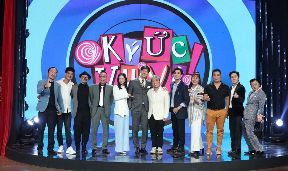 Đạo diễn Nguyễn Quang Dũng bật cười khi bị nghệ sĩ Hồng Vân gặng hỏi về Thanh Hằng - Ảnh 2.