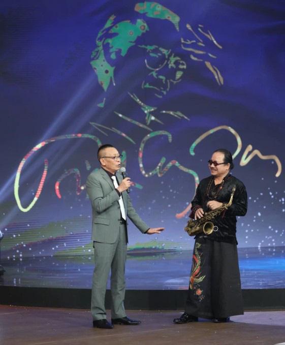 Đạo diễn Nguyễn Quang Dũng bật cười khi bị nghệ sĩ Hồng Vân gặng hỏi về Thanh Hằng - Ảnh 3.