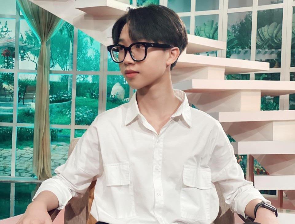 Cậu bé được nghệ sĩ Thành Lộc gọi là thần đồng Việt giờ ra sao? - Ảnh 2.