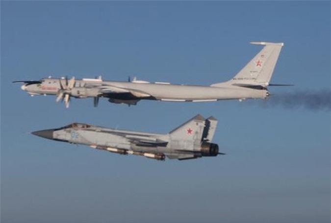 Vì sao mọi máy bay quân sự đối phương phải rút lui khi gặp MiG-31 - Ảnh 1.