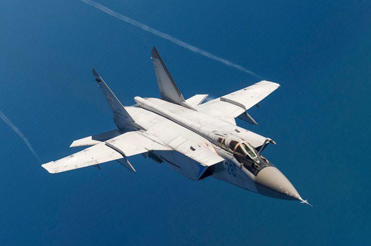 Vì sao mọi máy bay quân sự đối phương phải rút lui khi gặp MiG-31 - Ảnh 11.