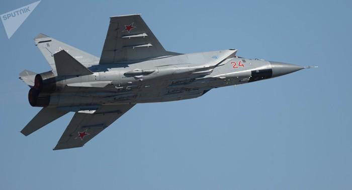 Vì sao mọi máy bay quân sự đối phương phải rút lui khi gặp MiG-31 - Ảnh 13.