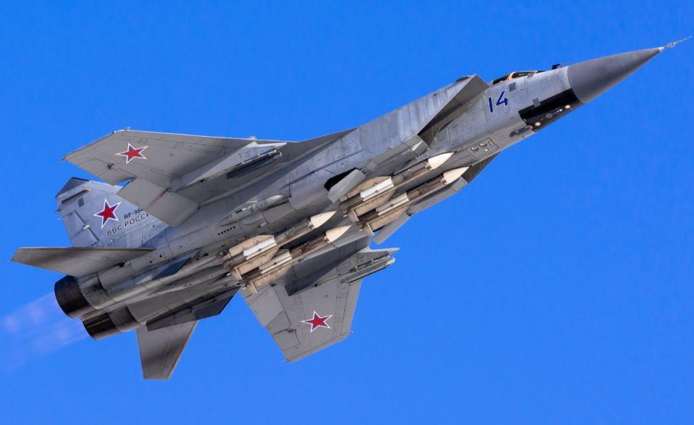 Vì sao mọi máy bay quân sự đối phương phải rút lui khi gặp MiG-31 - Ảnh 14.