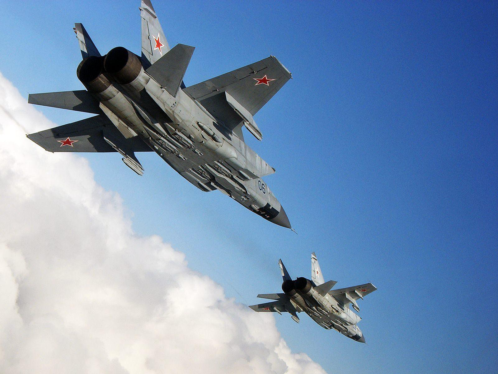 Vì sao mọi máy bay quân sự đối phương phải rút lui khi gặp MiG-31 - Ảnh 15.