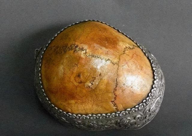 Bí ẩn cái chết của hoàng đế ham mê sắc dục tột độ: Thi thể ngâm thủy ngân, hộp sọ thành bình đựng rượu - Ảnh 7.