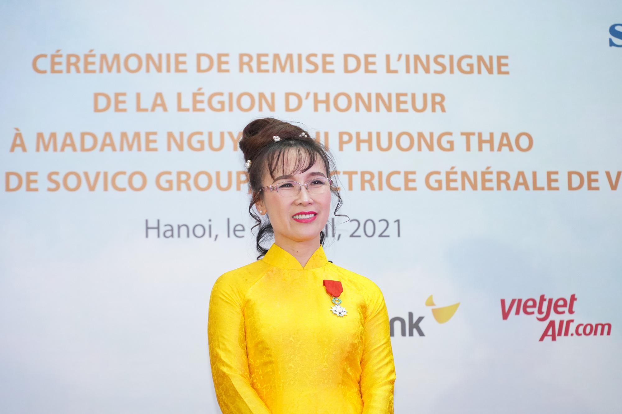Nữ tỷ phú Nguyễn Thị Phương Thảo dành tặng Huân chương Bắc đẩu bội tinh cho 30.000 cán bộ nhân viên - Ảnh 1.