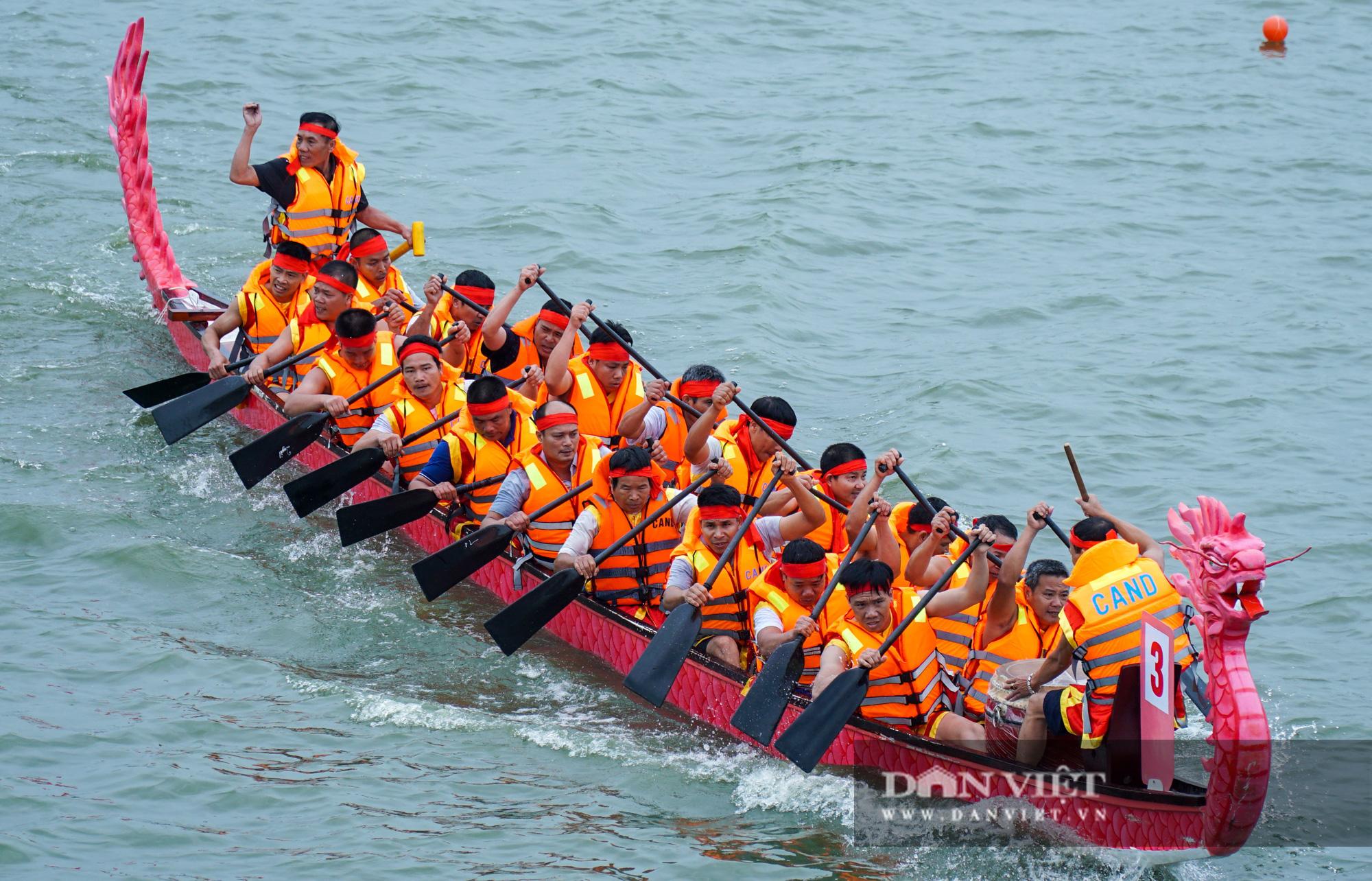 Phú Thọ: Kịch tính giải đua bơi chải chào mừng ngày giỗ Tổ Hùng Vương - Ảnh 6.