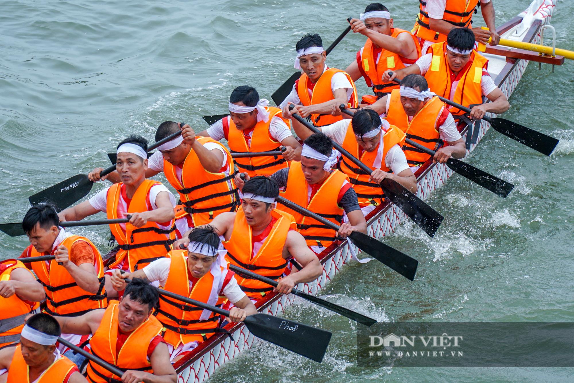 Phú Thọ: Kịch tính giải đua bơi chải chào mừng ngày giỗ Tổ Hùng Vương - Ảnh 11.
