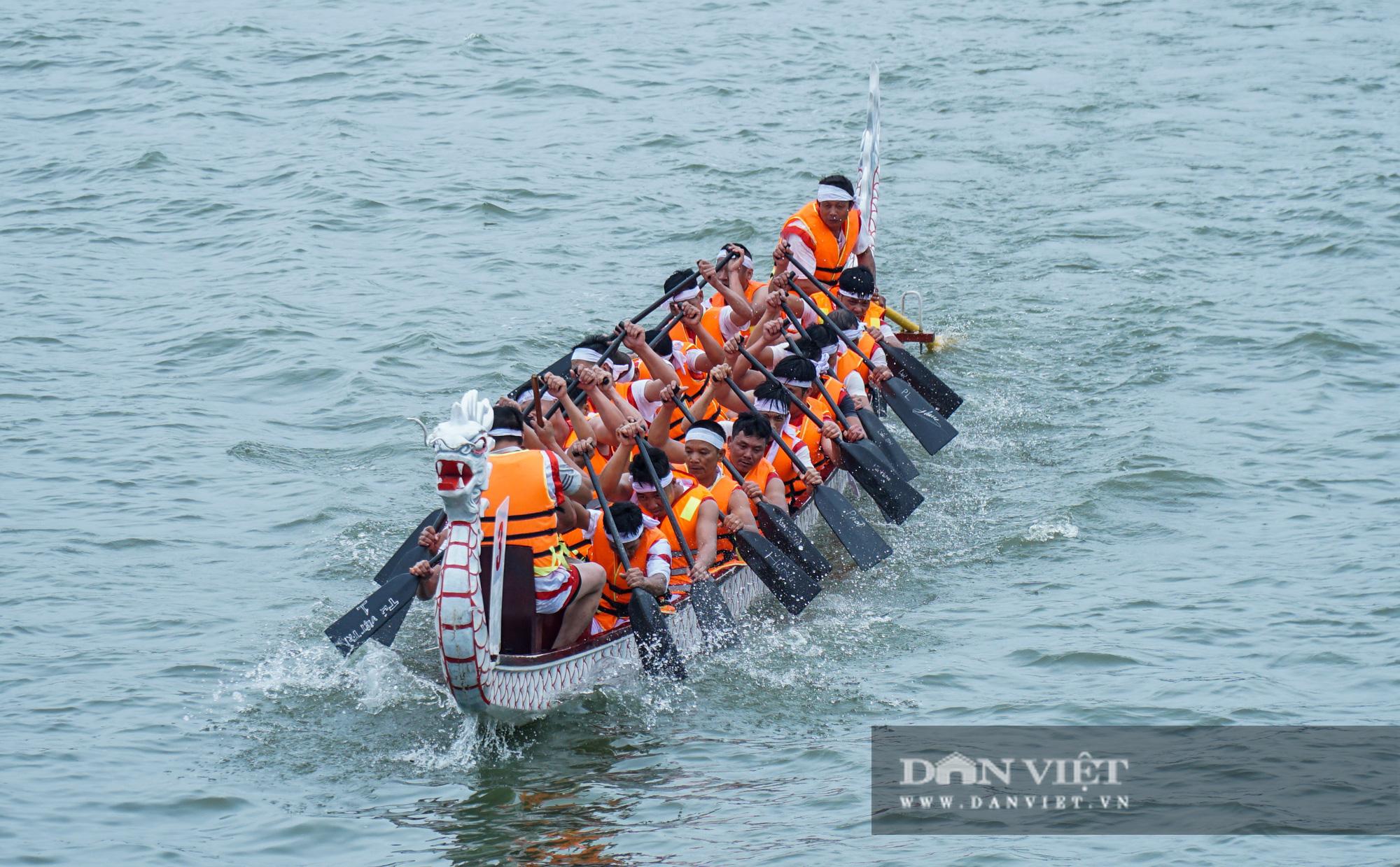 Phú Thọ: Kịch tính giải đua bơi chải chào mừng ngày giỗ Tổ Hùng Vương - Ảnh 9.