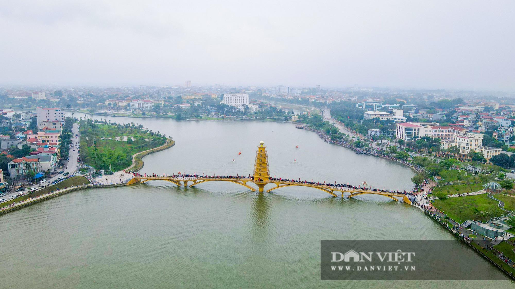 Phú Thọ: Kịch tính giải đua bơi chải chào mừng ngày giỗ Tổ Hùng Vương - Ảnh 14.