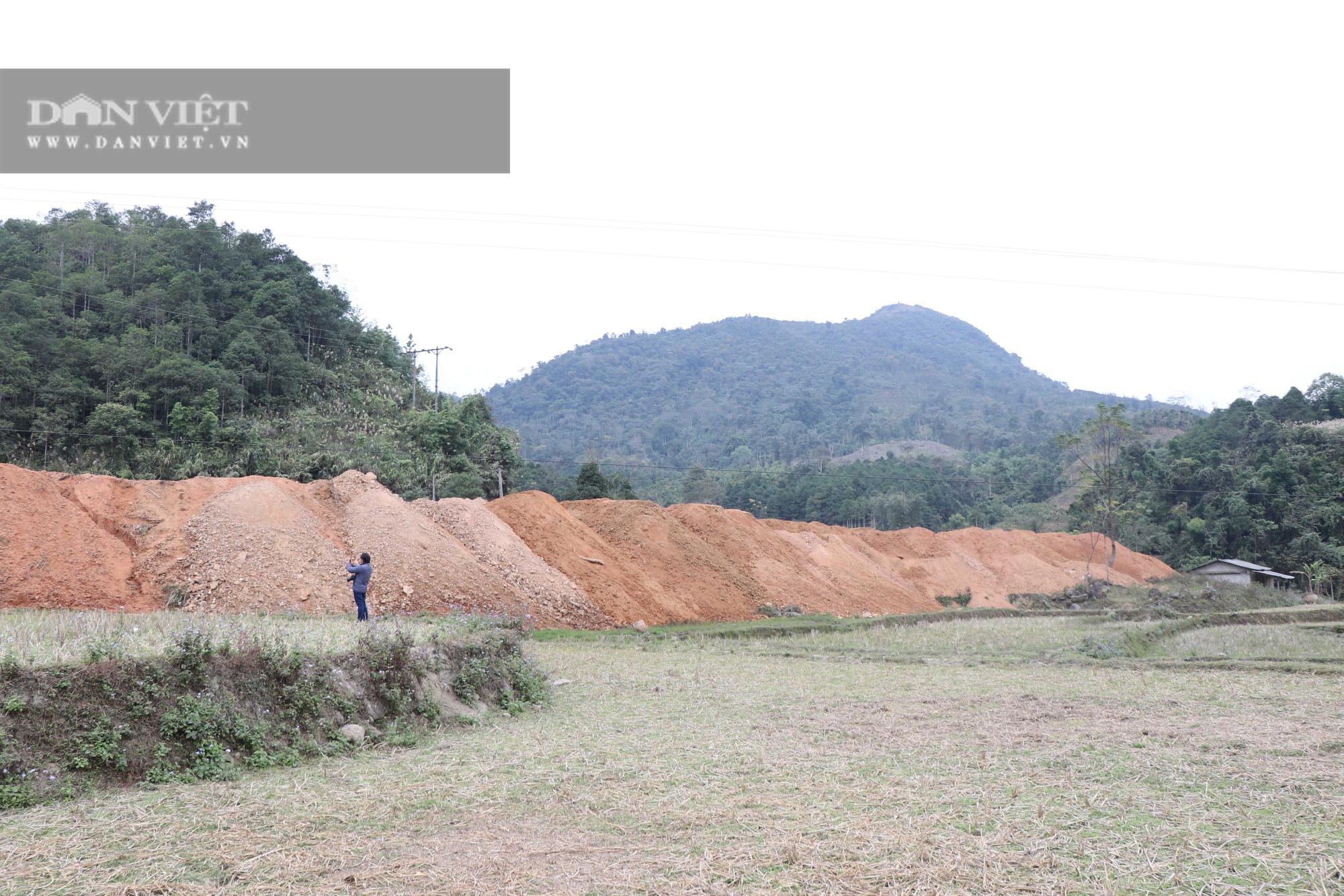 Đổ đất lấp ruộng ở Bắc Kạn: Chính quyền ra quyết định xử phạt - Ảnh 3.