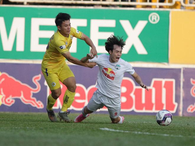 """HLV Hà Nội FC chỉ ra điểm """"lạ"""" của HAGL dưới thời Kiatisuk - Ảnh 1."""
