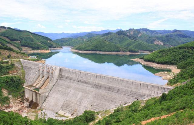 Quảng Ngãi: Cấp, ngành lên tiếng vụ 2 chủ dự án thuỷ điện nạo vét cát trái phép  - Ảnh 6.