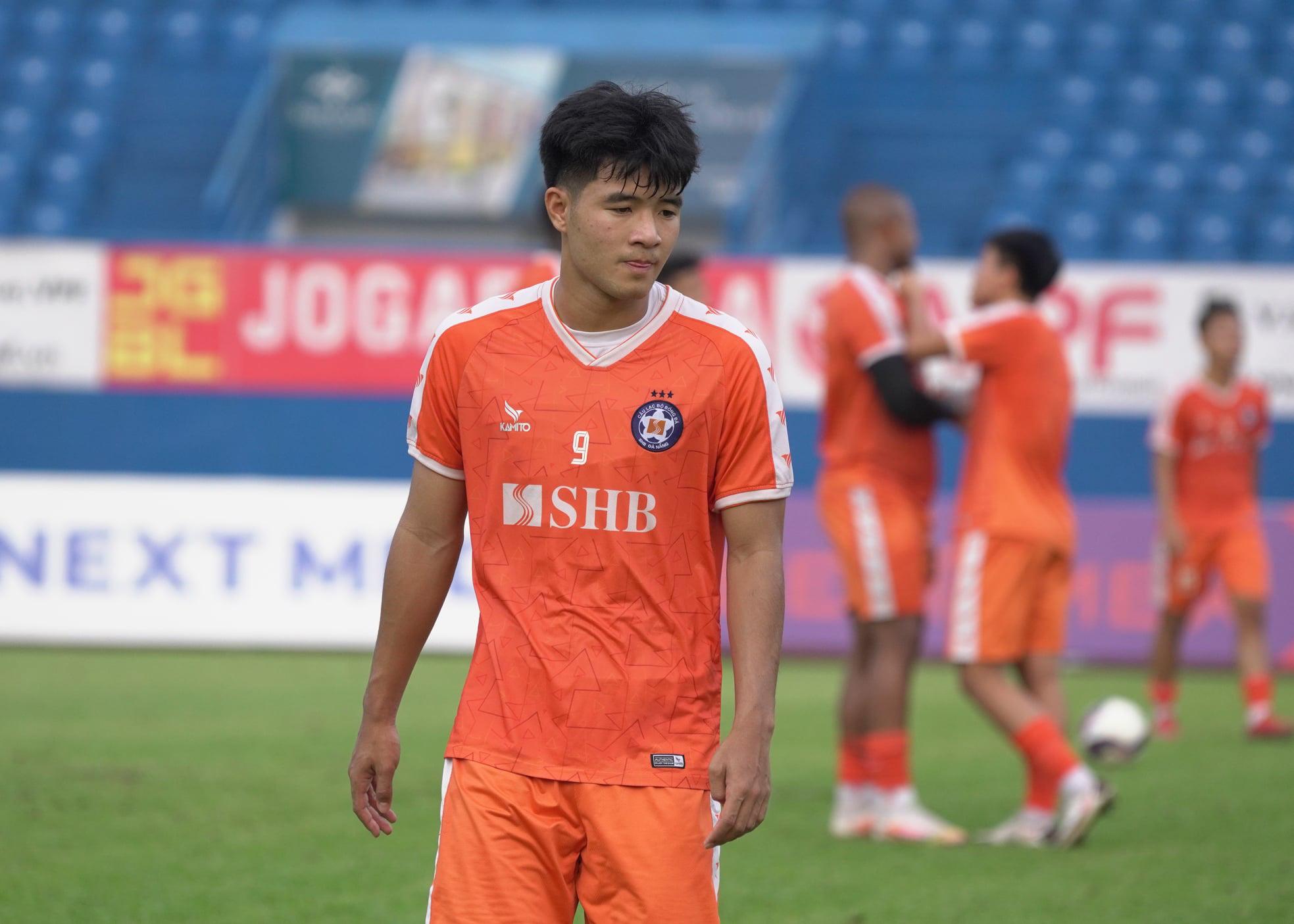 SHB Đà Nẵng thua, Hà Đức Chinh lại bị HLV Lê Huỳnh Đức chê bai - Ảnh 2.
