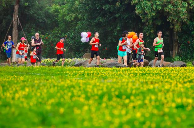 """Ecopark Marathon 2021 - Ngắm cung đường chạy giữa thiên nhiên """"siêu chất"""" trước giờ G - Ảnh 1."""