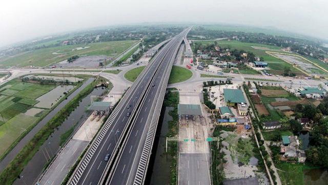 Thủ tướng Chính phủ: Nghiêm cấm trục lợi, nâng giá vật liệu xây dựng cao tốc Bắc-Nam - Ảnh 1.