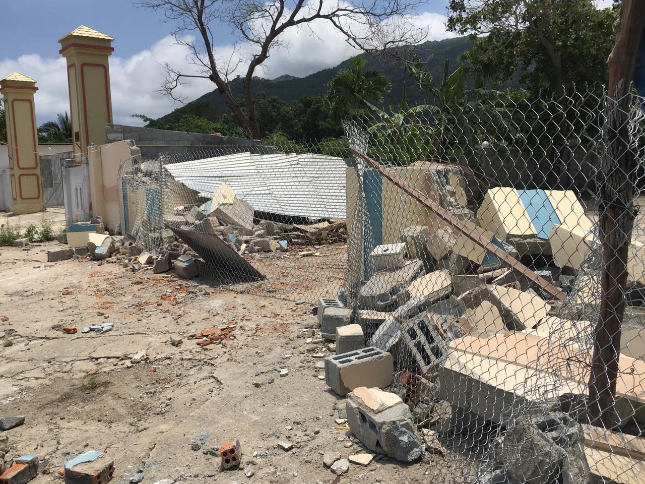 Nha Trang: Nhiều công trình xây dựng trái phép vẫn chưa tự nguyện tháo dỡ - Ảnh 2.