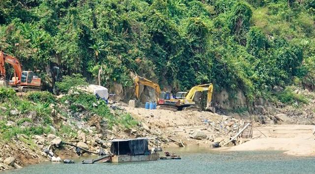 Quảng Ngãi: 2 Chủ dự án thuỷ điện cho khai thác cát trái phép ở lòng hồ chứa  - Ảnh 1.