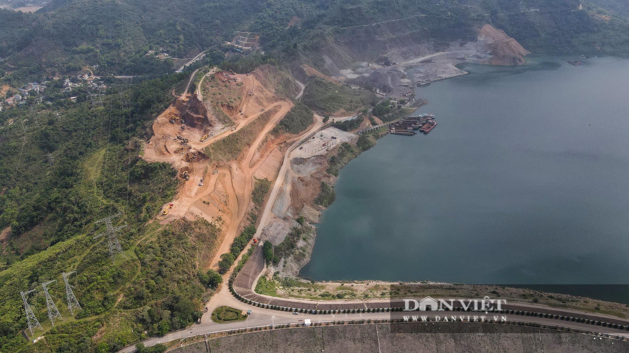 Công trình mở rộng nhà máy thuỷ điện Hoà Bình hơn 9000 tỷ nhìn từ trên cao  - Ảnh 4.