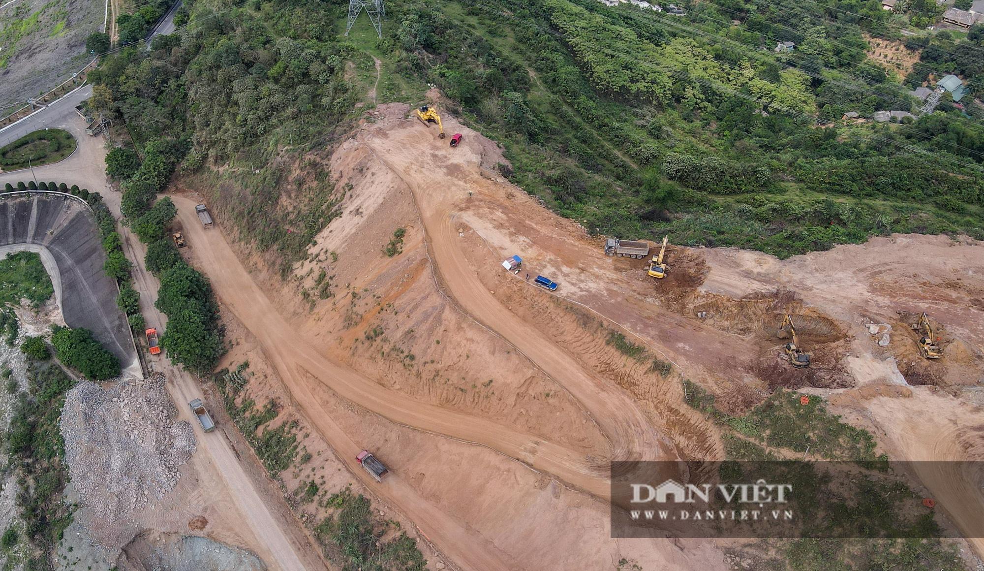Công trình mở rộng nhà máy thuỷ điện Hoà Bình hơn 9000 tỷ nhìn từ trên cao  - Ảnh 7.