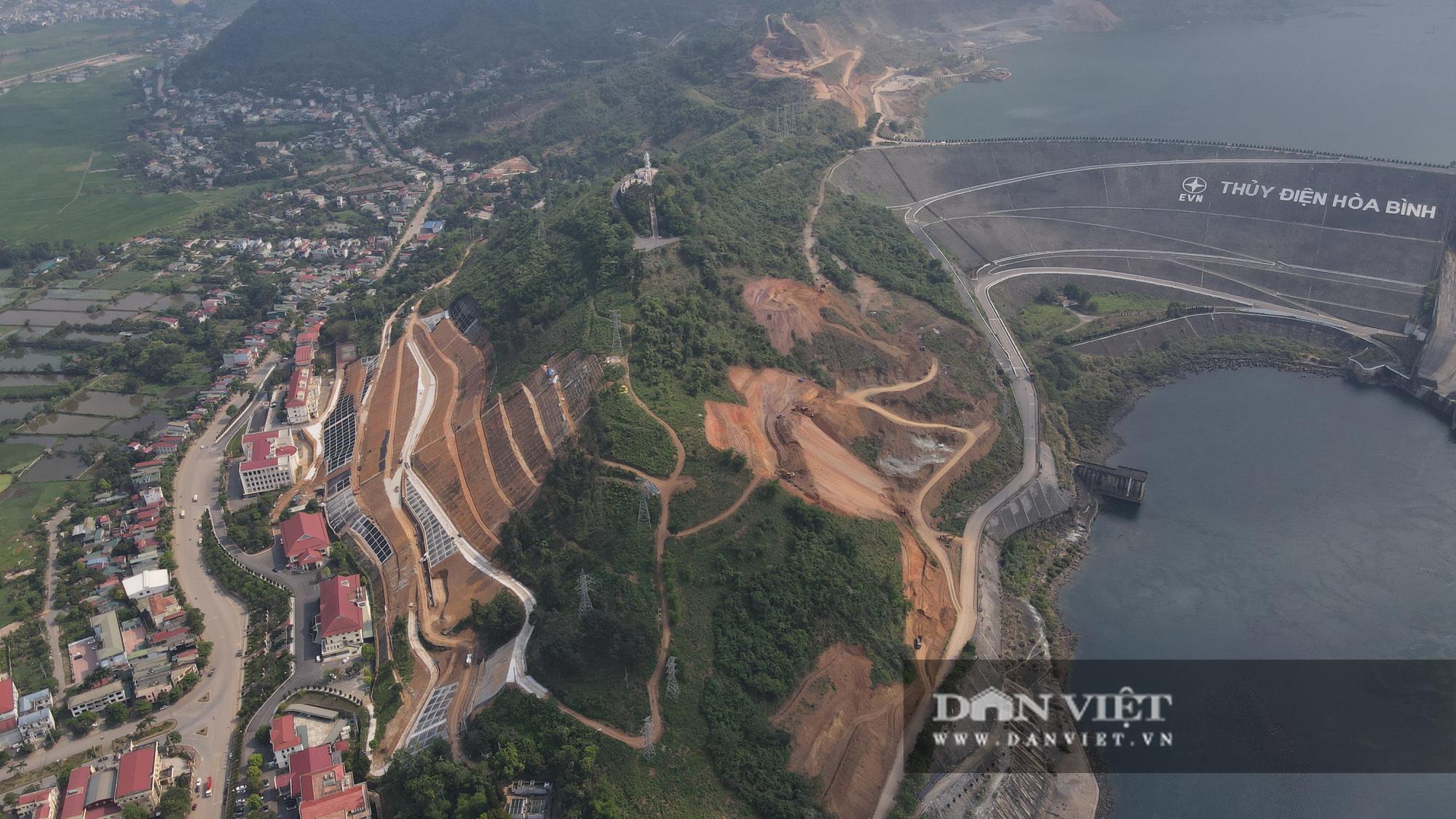 Công trình mở rộng nhà máy thuỷ điện Hoà Bình hơn 9000 tỷ nhìn từ trên cao  - Ảnh 10.