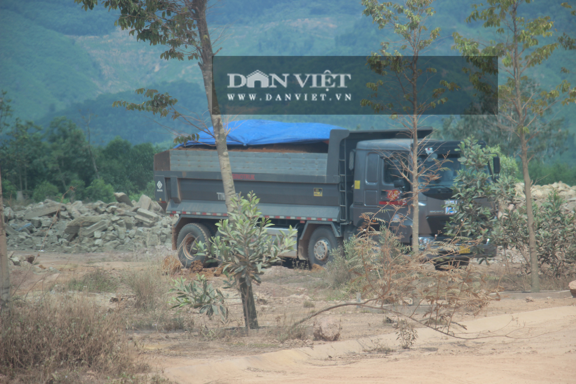 """Đoàn xe hổ vồ logo Bá Sanh Đường """"tung hoành"""" ở Thị xã Hoài Nhơn: Chẳng lẽ """"bó tay""""? - Ảnh 7."""