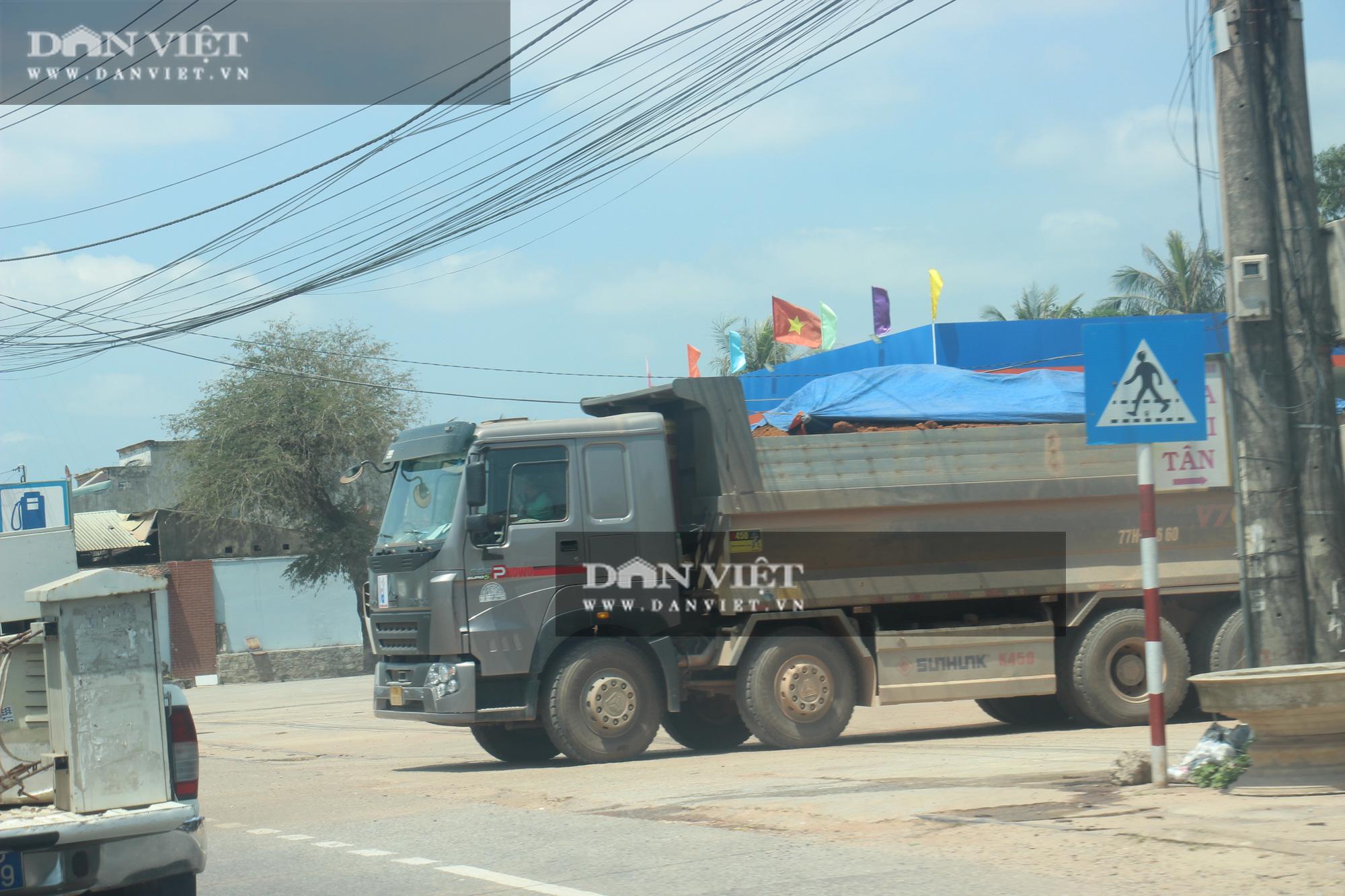 """Đoàn xe hổ vồ logo Bá Sanh Đường """"tung hoành"""" ở Thị xã Hoài Nhơn: Chẳng lẽ """"bó tay""""? - Ảnh 3."""