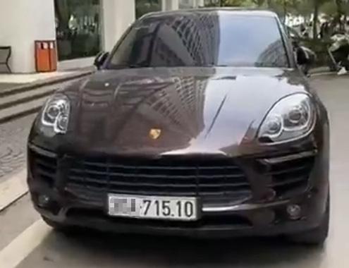 Porscher cung bien so Ha Noi anh 1