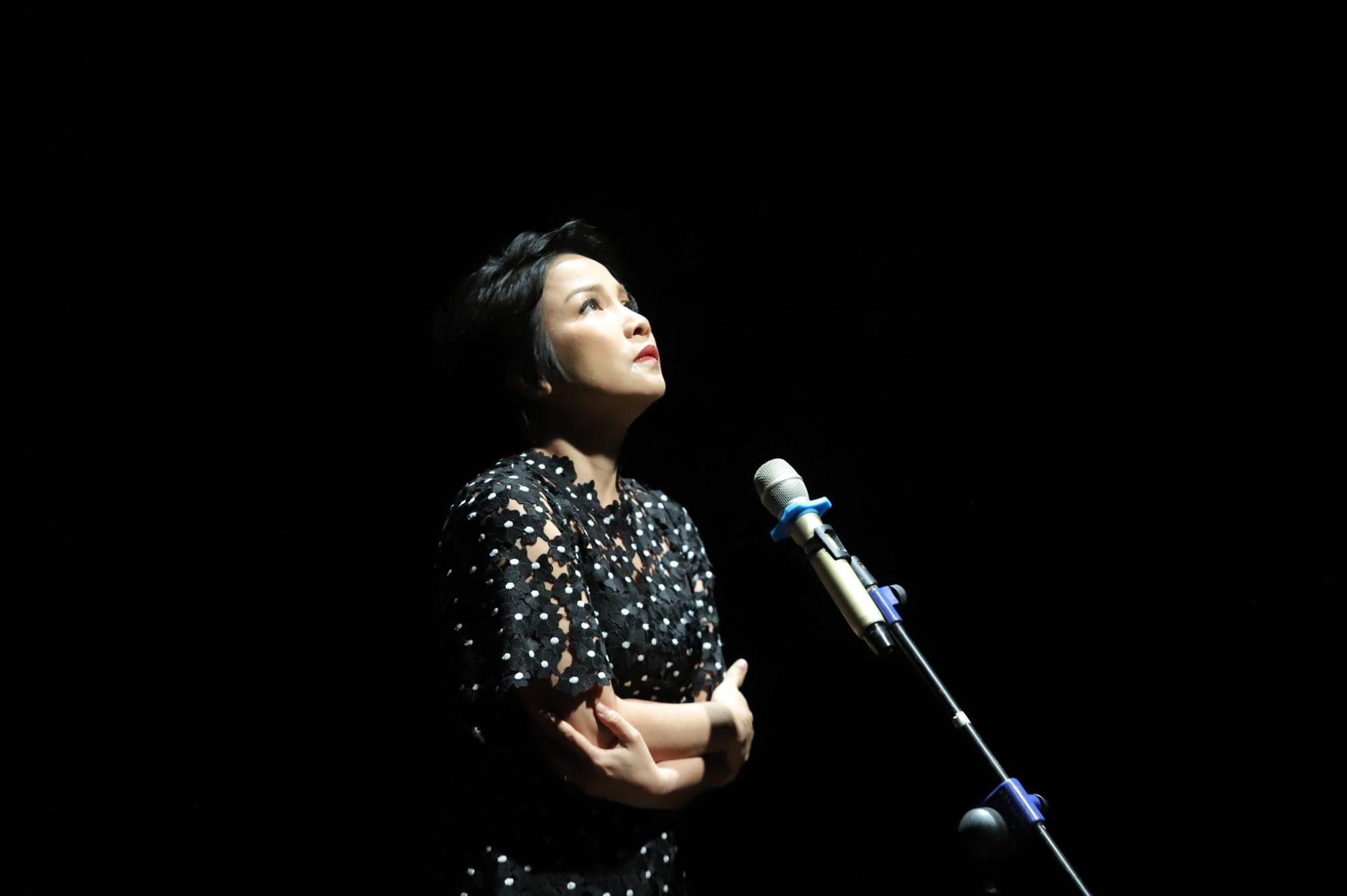 """""""Se sẽ 2021"""" - Khi thơ Lưu Quang Vũ - Xuân Quỳnh được cất lên bằng 20 ngôn ngữ khác nhau - Ảnh 10."""