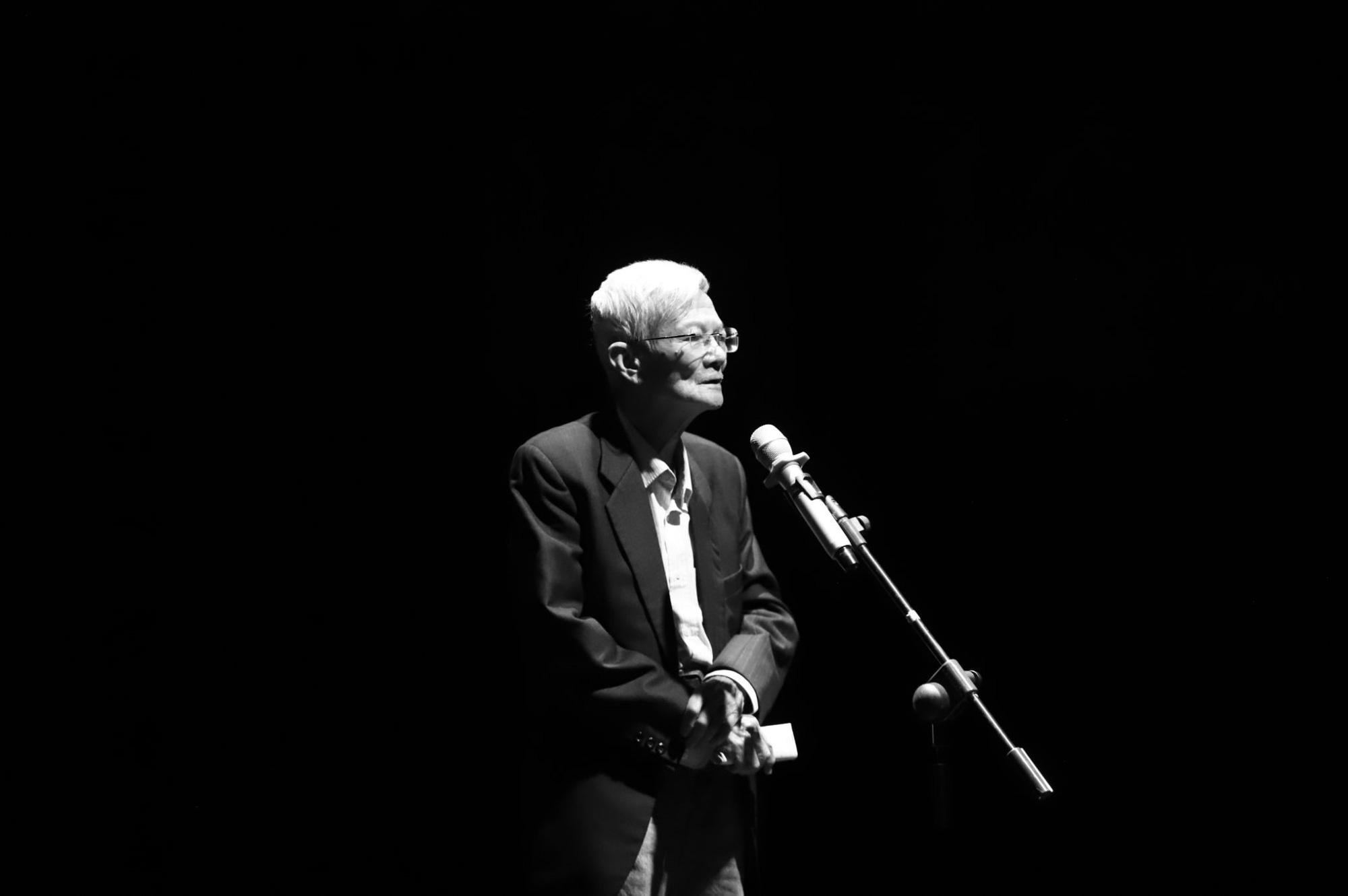 """""""Se sẽ 2021"""" - Khi thơ Lưu Quang Vũ - Xuân Quỳnh được cất lên bằng 20 ngôn ngữ khác nhau - Ảnh 5."""