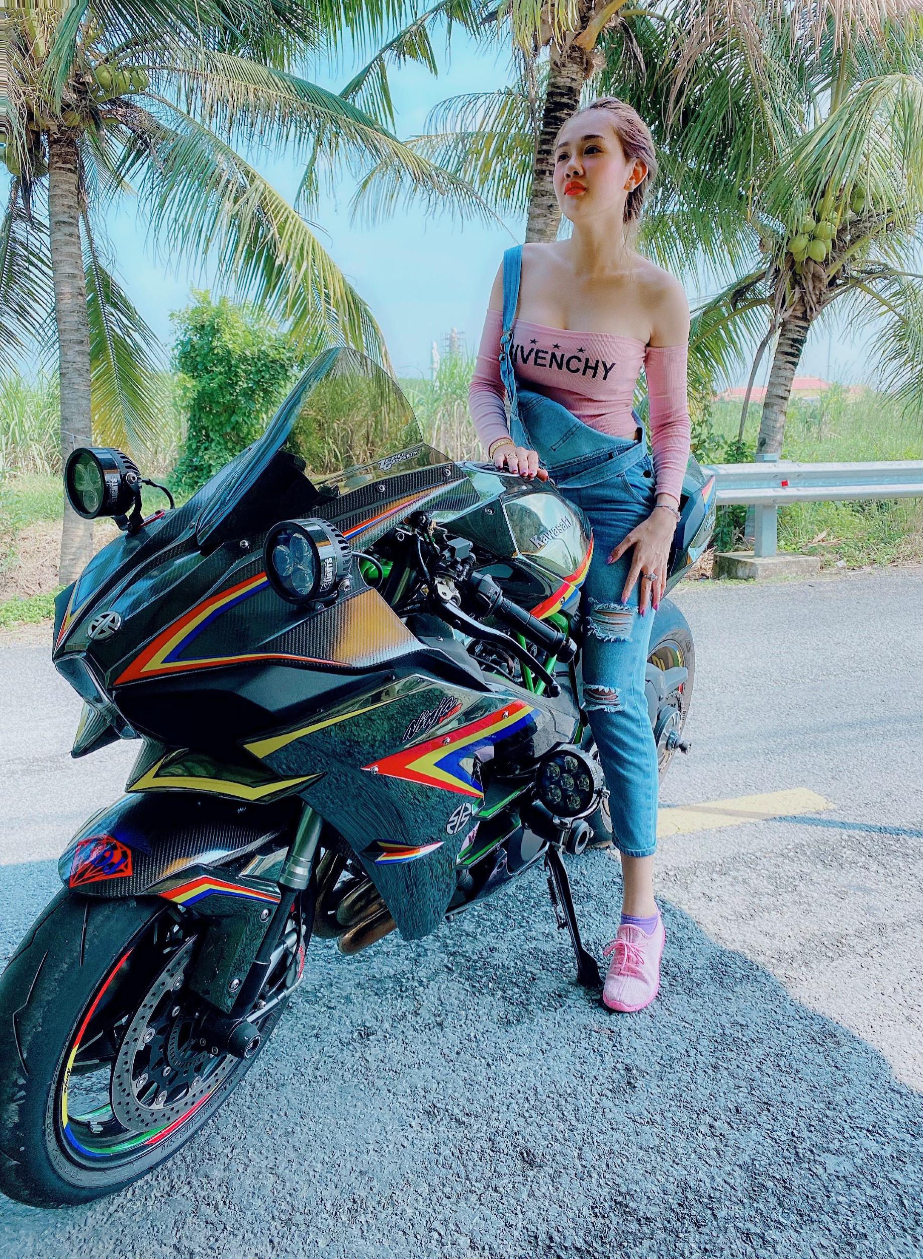 """Hot girl mô tô phân khối lớn Tina Phạm: """"Cưỡi ngựa sắt là quên hết sự đời"""" - Ảnh 12."""