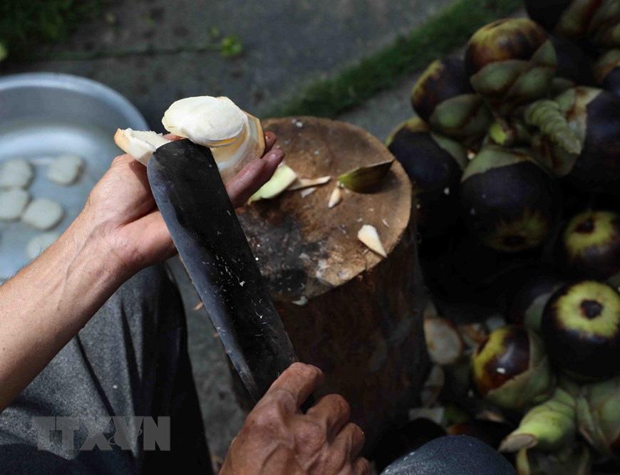An Giang: Giống dừa nhưng không phải là dừa, cây thân thẳng cao đến 30m, uống vào mát ngọt lịm tỉnh cả người - Ảnh 6.