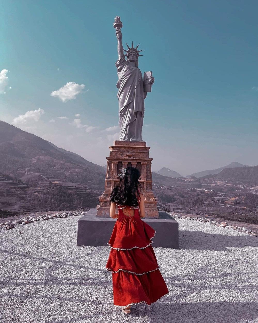 """Cư dân mạng cười rớt nước mắt với tượng Nữ thần tự do """"phiên bản lỗi"""" ở Sa Pa - Ảnh 4."""