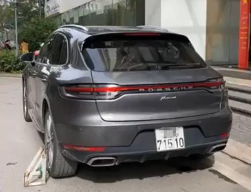 Porscher cung bien so Ha Noi anh 2