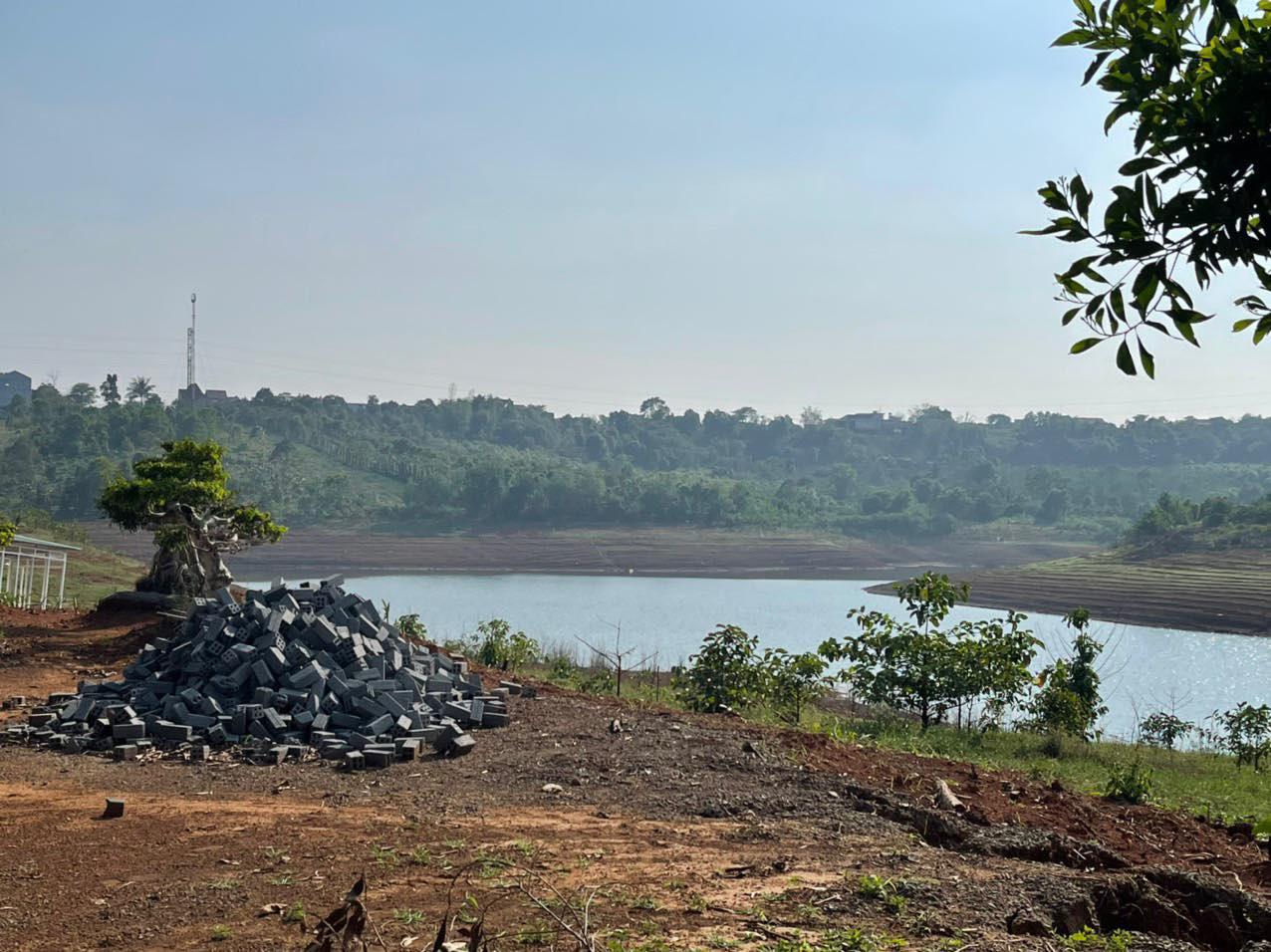 Đắk Nông: Công trình nghỉ dưỡng gần 1.000m2 lấn chiếm lòng hồ thuỷ điện  - Ảnh 5.