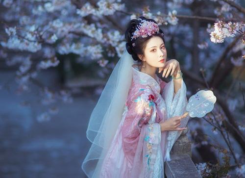 Nàng công chúa sắc nước hương trời, mang thân phận điệp viên hoàn thành xuất sắc nhiệm vụ  - Ảnh 1.