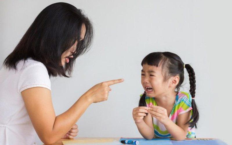 3 hành vi của cha mẹ có thể làm hỏng con, dù vô ý hay cố ý - Ảnh 1.