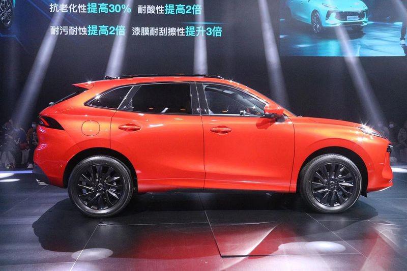 """Xe Trung Quốc Dongfeng """"nhái"""" Porsche, giá ngỡ ngàng tại Việt Nam - Ảnh 3."""