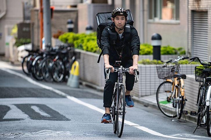 Hết tiền, ngôi sao Olympic Nhật Bản phải đi giao đồ ăn kiếm sống - Ảnh 2.
