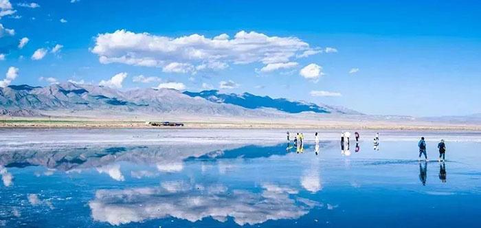 """Du lịch Trung Quốc: Chiêm ngưỡng cảnh sắc """"thiên nhiên bừng tỉnh"""" chào Xuân kỳ ảo bên """"Thánh hồ"""" Thanh Hải - Ảnh 2."""