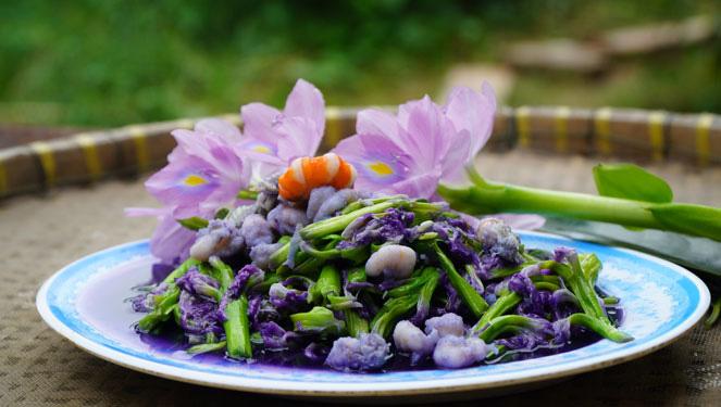 Đem loài hoa mang sắc tím này đi xào với tép sông thành đặc sản ăn hoài không ngán - Ảnh 1.