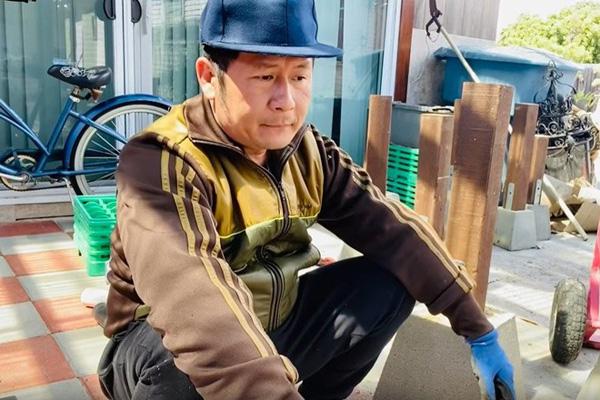 Cuộc sống hải ngoại của Bằng Kiều: Không giàu như mọi người nghĩ, miệt mài chạy show ở Việt Nam kiếm tiền - Ảnh 2.