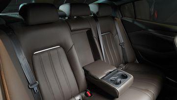 Mazda 6 trẻ trung, nhiều tiện ích - Ảnh 12.