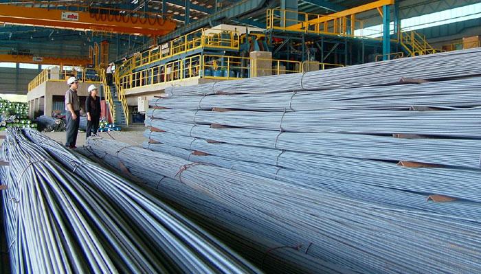 """Giá thép """"leo thang"""", tiền chảy về """"túi"""" các doanh nghiệp ngành thép - Ảnh 1."""
