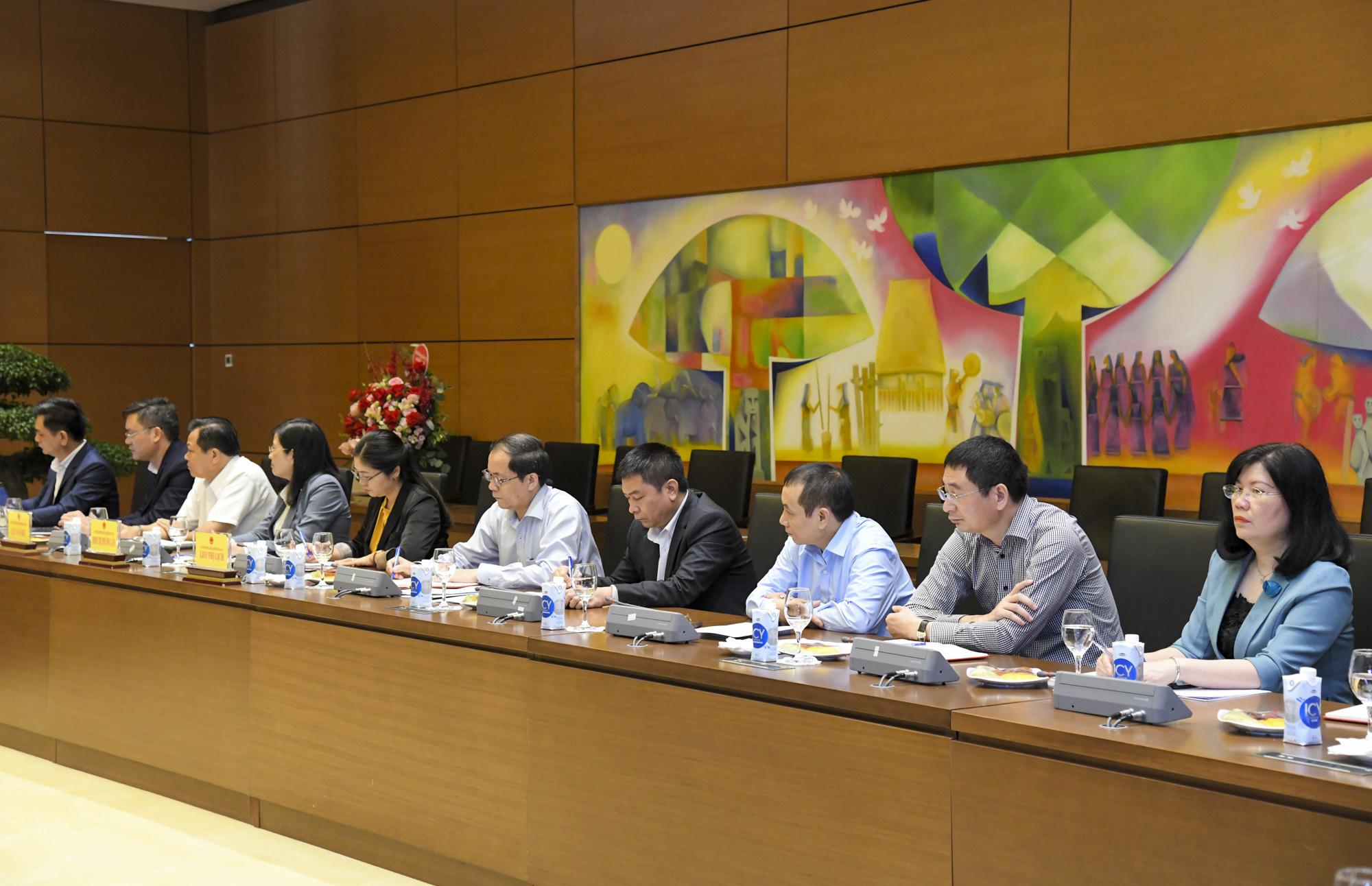 Ảnh: Chủ tịch Quốc hội Vương Đình Huệ làm việc với Hội đồng Dân tộc - Ảnh 9.