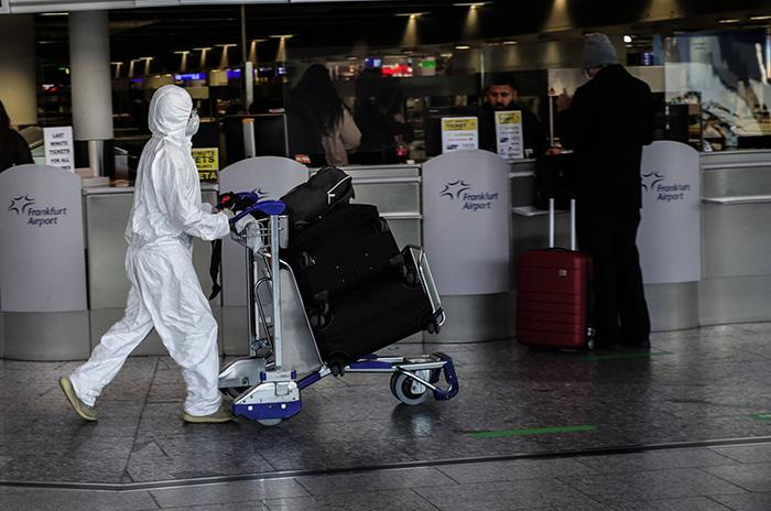 WHO cảnh báo hộ chiếu vaccine có thể không hiệu quả để tái khởi động du lịch - Ảnh 2.