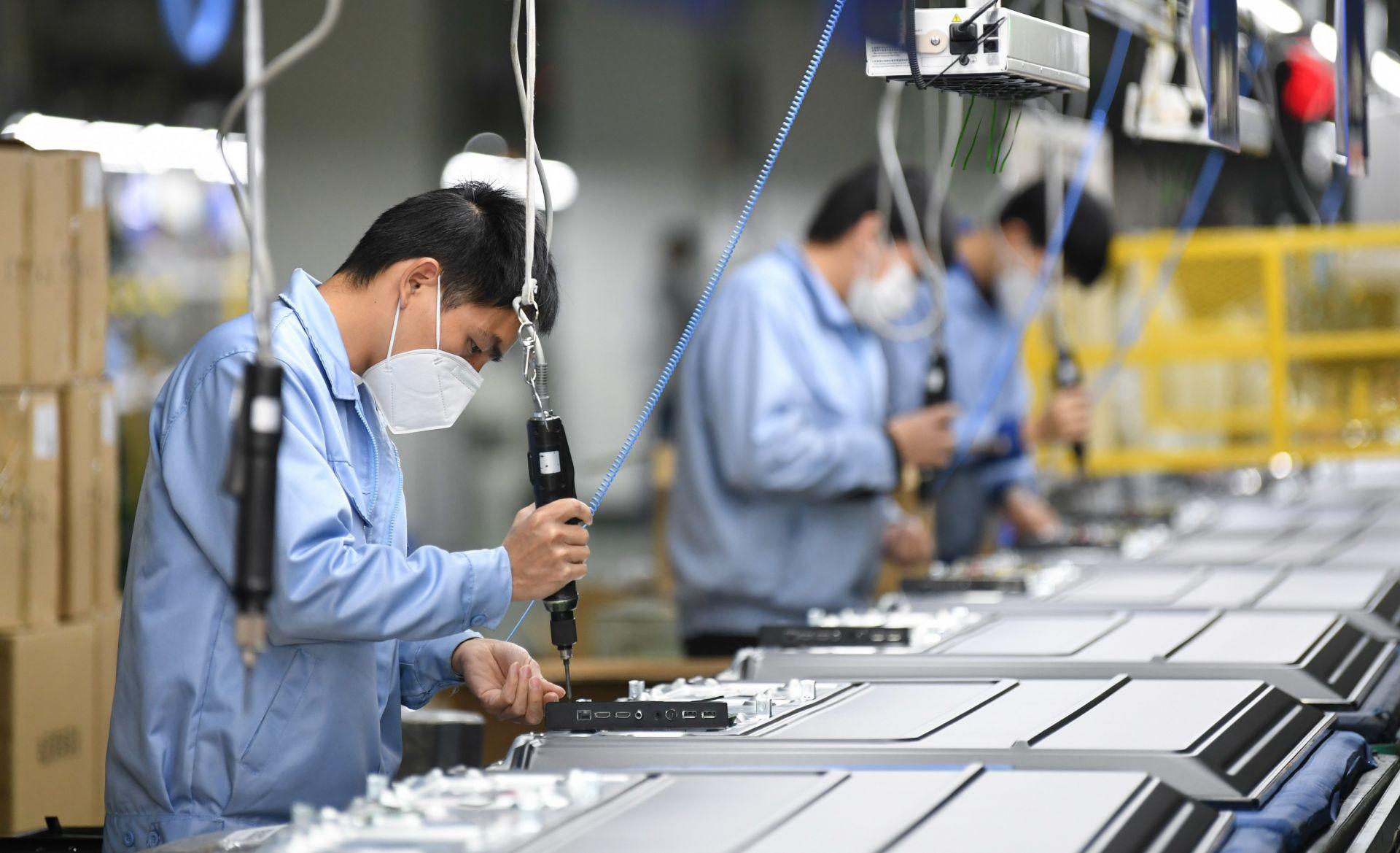 """""""Việt Nam nhiều thách thức trong môi trường kinh tế thế giới bất ổn"""" - Ảnh 3."""