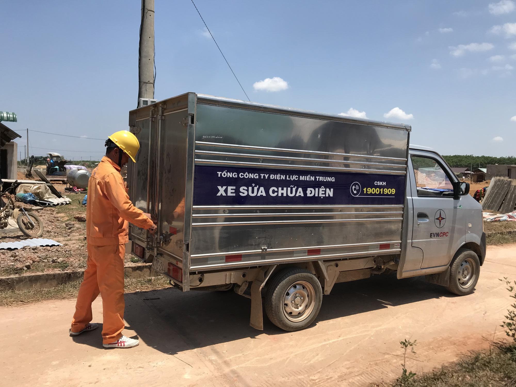 Tái định cư Dự án hồ chứa nước Krông Pắk Thượng: Nhà vừa dựng lên đã có điện - Ảnh 4.