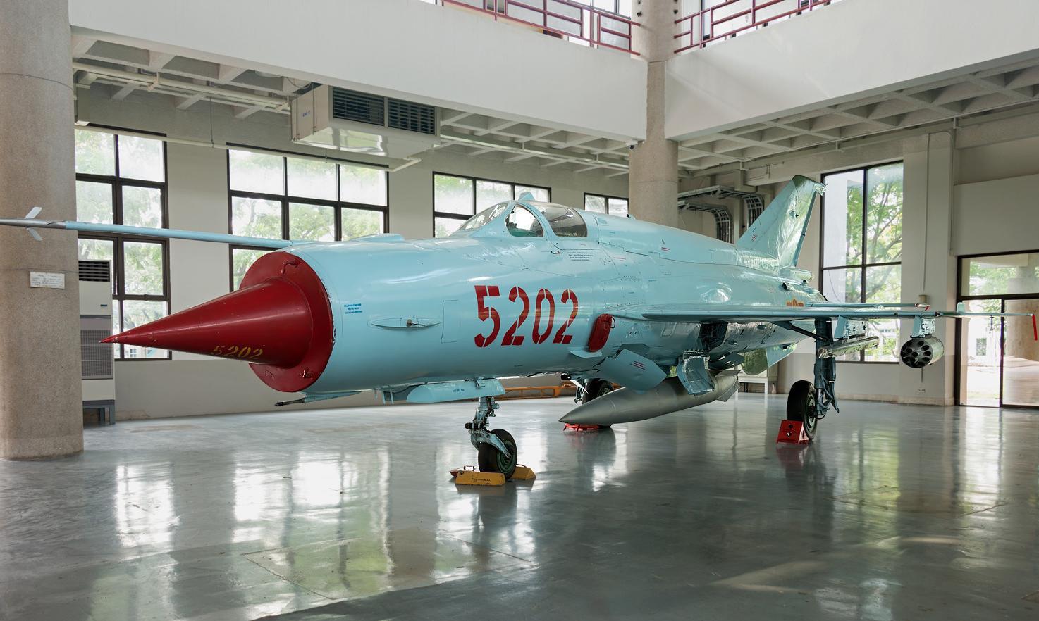 Việt Nam từng biên chế số lượng lớn MiG-21Bis, phiên bản mạnh ngang F-16 của Mỹ - Ảnh 6.