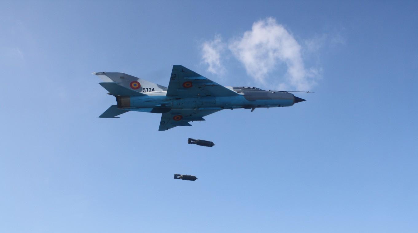 Việt Nam từng biên chế số lượng lớn MiG-21Bis, phiên bản mạnh ngang F-16 của Mỹ - Ảnh 10.